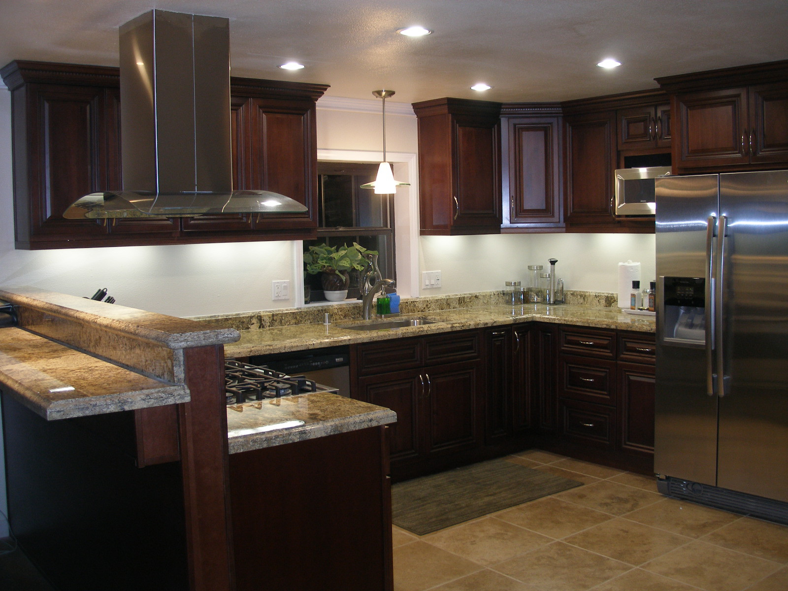 Kitchen remodel bay easy construction for Small kitchen renovations